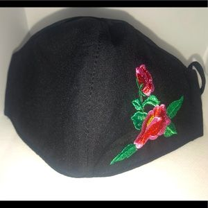 Flower face mask with adjustable strings